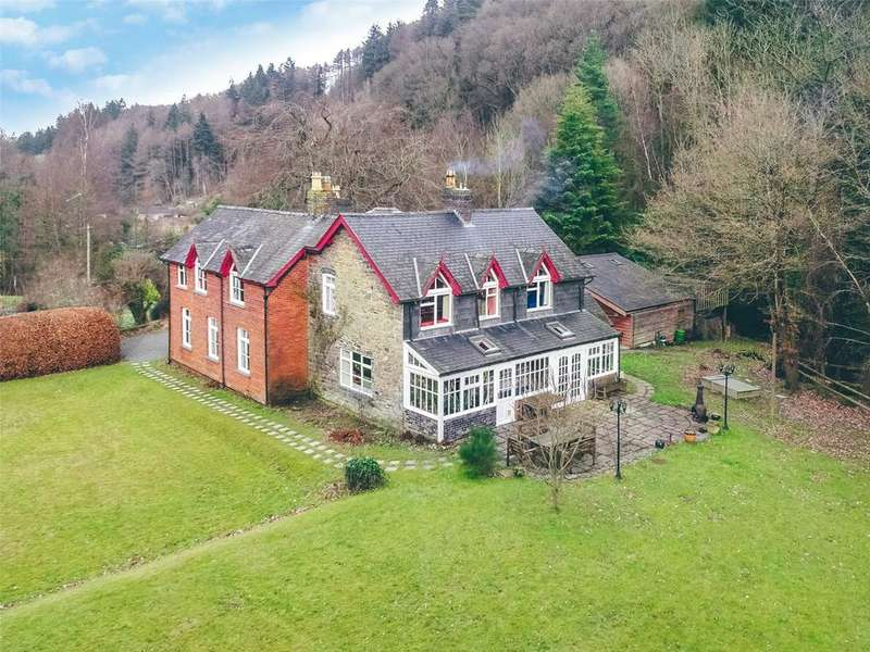 6 Bedrooms Farm Commercial for sale in Llandinam, Powys