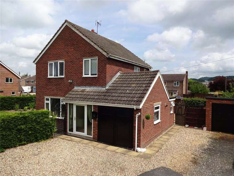 3 Bedrooms Detached House for sale in St Johns Crescent, Craven Arms, Shropshire