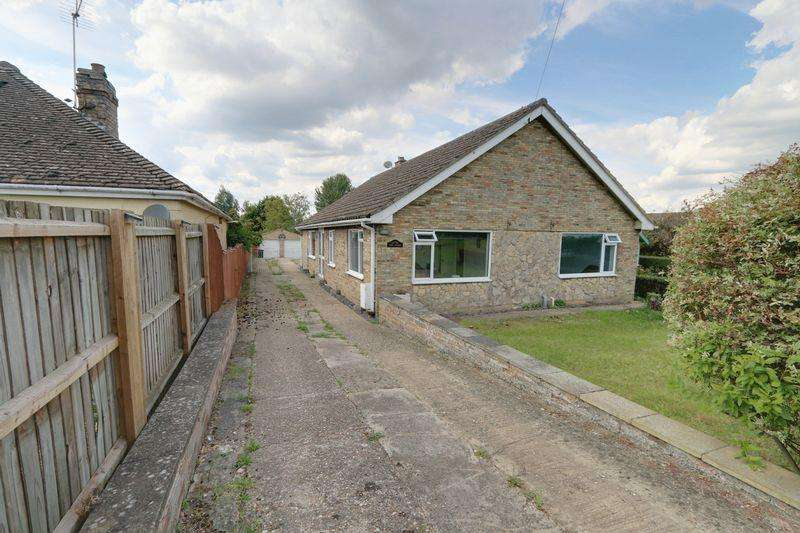 4 Bedrooms Detached Bungalow for sale in Lynn Road, Chettisham