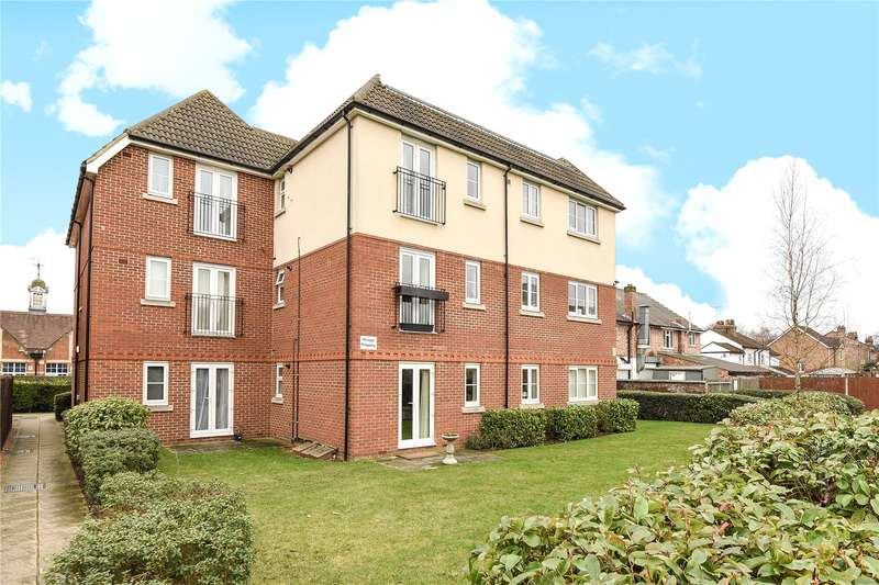 2 Bedrooms Apartment Flat for sale in Orchard Court, 117 The Greenway, Uxbridge, Middlesex, UB8