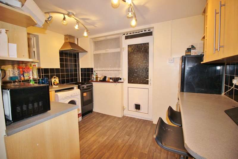 2 Bedrooms Maisonette Flat for sale in Christchurch Avenue, Harrow, London, HA3