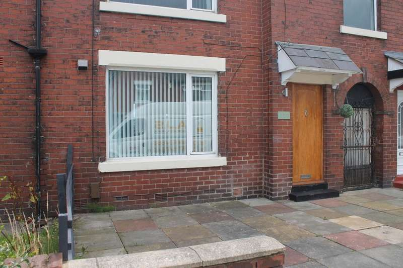 4 Bedrooms Terraced House for rent in Edward Street, Denton, Manchester, M34