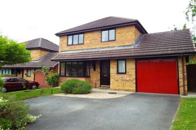 3 Bedrooms House for rent in Chapelfield, Deganwy