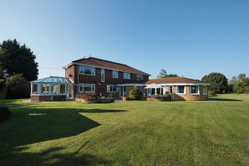 5 Bedrooms Detached House for sale in Hillis Gate Road, Cowes