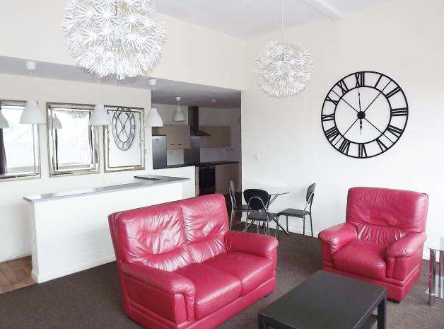 3 Bedrooms Apartment Flat for rent in Portland Square, City Centre
