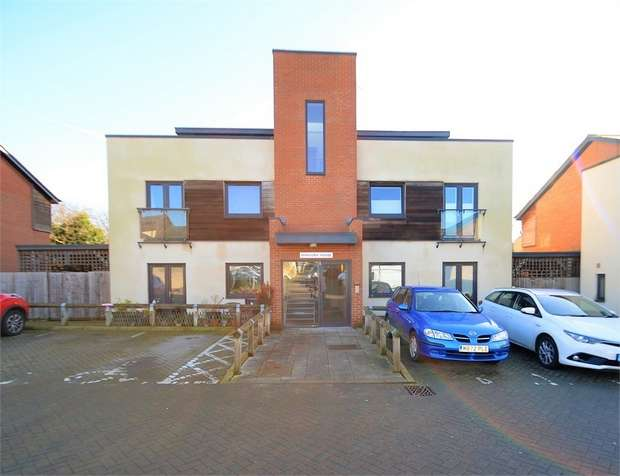 2 Bedrooms Flat for sale in Mandora House, 29 Amport Place, Mill Hill, NW7