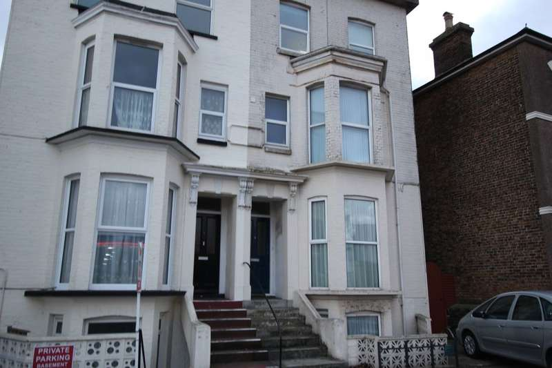 1 Bedroom Flat for sale in St. Peters Road, Broadstairs, CT10