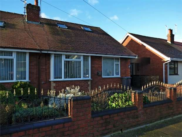 3 Bedrooms Detached Bungalow for sale in Gaskell Crescent, Thornton-Cleveleys, Lancashire