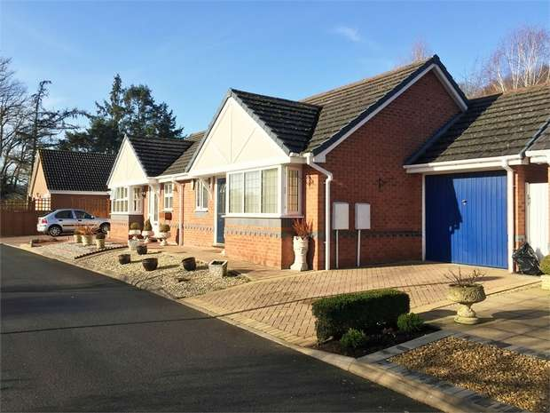 1 Bedroom Semi Detached Bungalow for sale in Lords Lane, Stourbridge, Staffordshire
