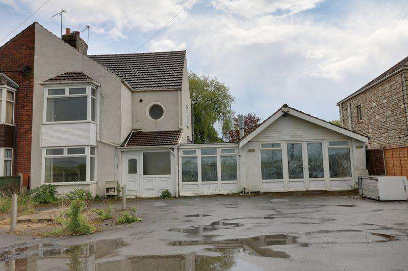 2 Bedrooms Semi Detached House for sale in Doncaster Road,Gunness,