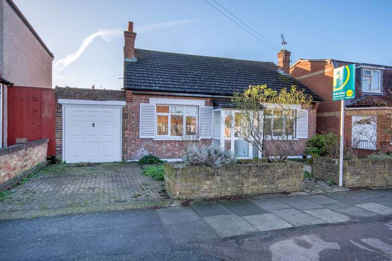 3 Bedrooms Bungalow for sale in Meopham Road, Mitcham, CR4