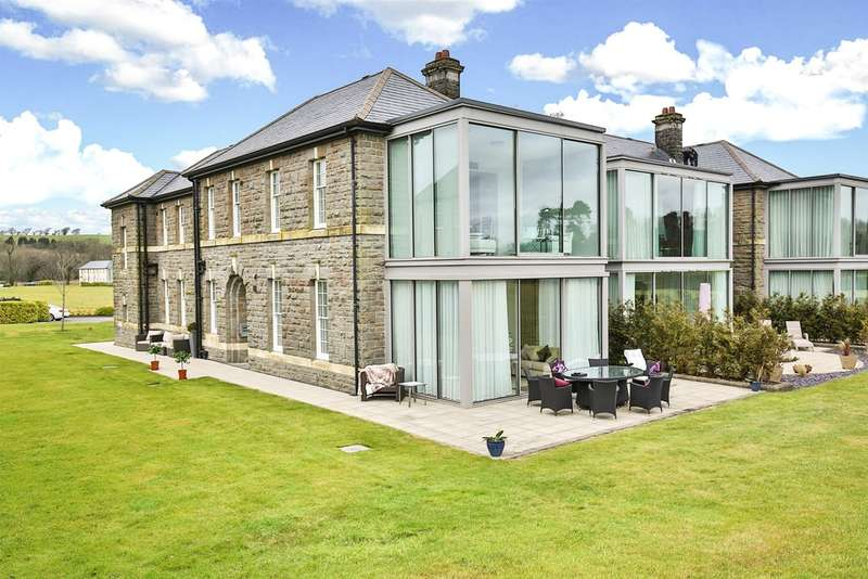 2 Bedrooms Apartment Flat for sale in Hensol Castle Park, Hensol, The Vale