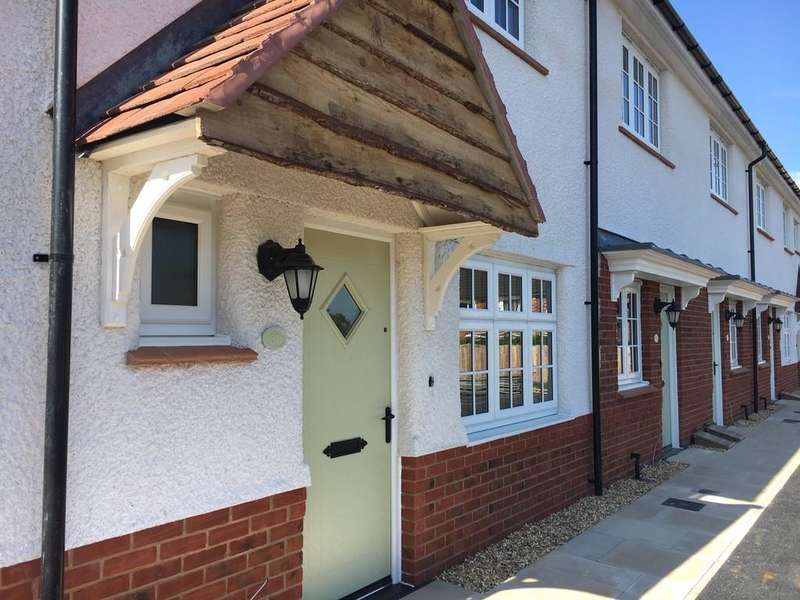 2 Bedrooms Mews House for sale in Bostock Avenue, Tattenhall