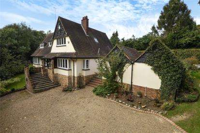 5 Bedrooms Detached House for sale in The Hillside, Chelsfield Park