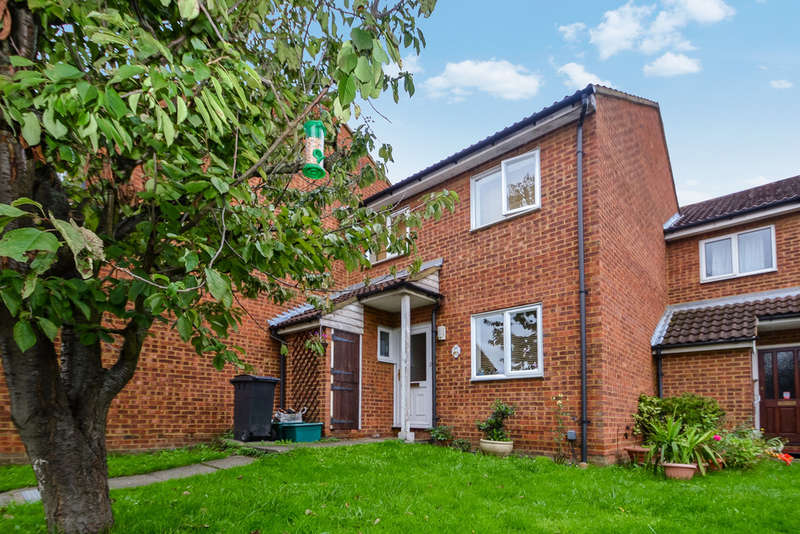 3 Bedrooms Terraced House for sale in St Georges Gardens, Surbiton