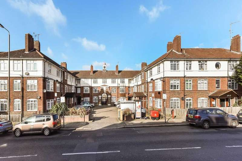 3 Bedrooms Flat for sale in Fountain Road, London SW17