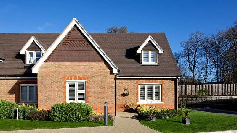 3 Bedrooms Retirement Property for sale in The Lancaster, Durrants Village, Faygate Lane, Faygate, Horsham, RH12