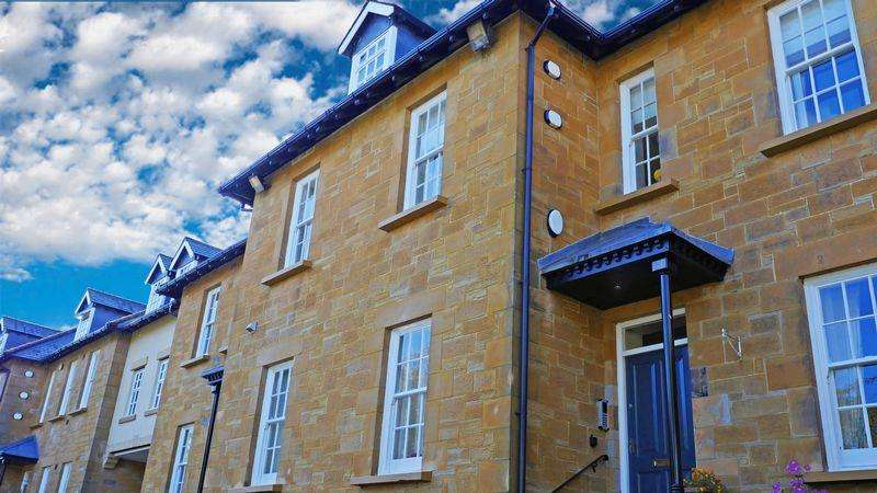 2 Bedrooms Apartment Flat for sale in Woodham Court, Durham