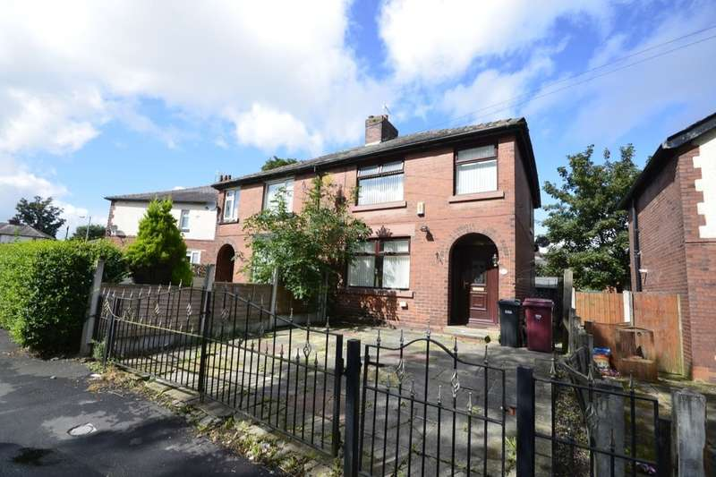 3 Bedrooms Semi Detached House for rent in Carnation Road, Farnworth, Bolton, BL4