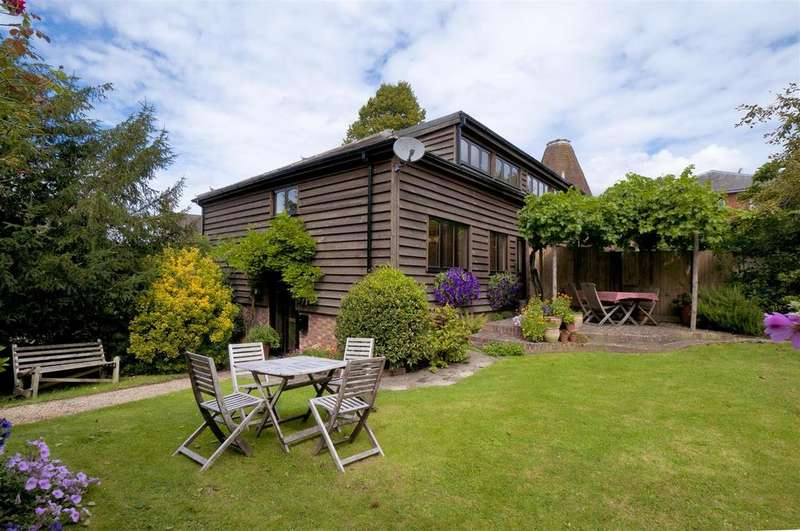 3 Bedrooms Semi Detached House for sale in Yalding Hill, Yalding