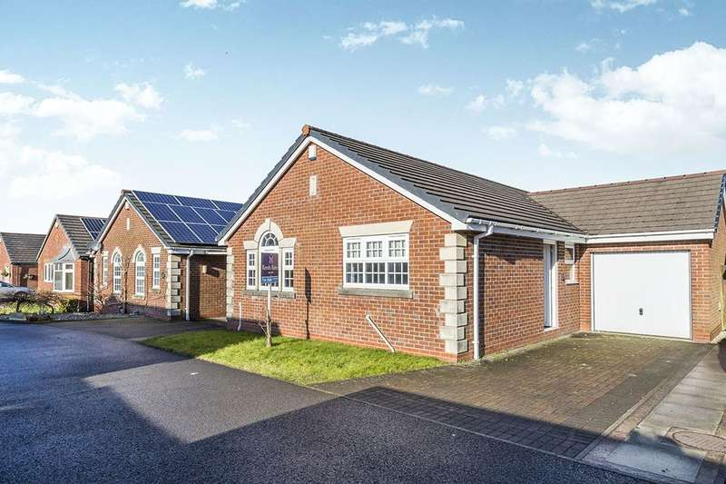 3 Bedrooms Detached Bungalow for sale in Lakeland Gardens, Chorley, PR7