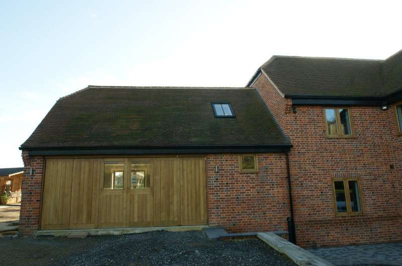 1 Bedroom Ground Flat for rent in Wooburn Common Road, Wooburn Green, HP10