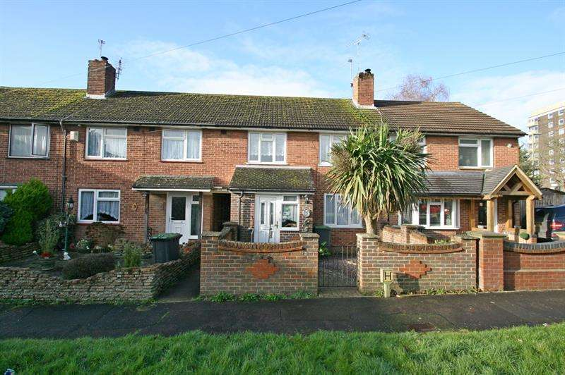 3 Bedrooms Semi Detached House for sale in Lockerley Road, West Leigh, Havant