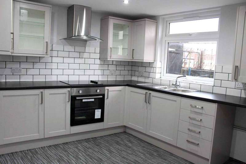3 Bedrooms Semi Detached House for sale in Greenwood Vale, Astley Bridge