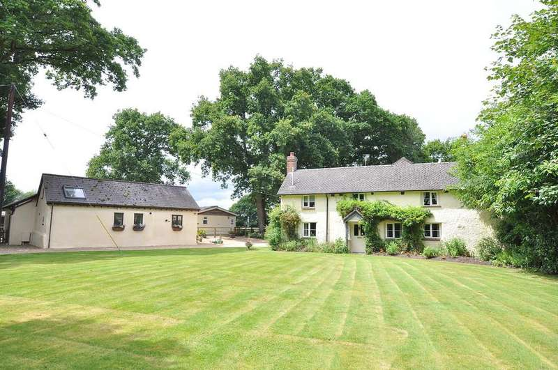5 Bedrooms Cottage House for sale in Verwood Road, Three Legged Cross