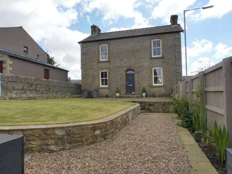 3 Bedrooms Semi Detached House for sale in New Road, Ingleton