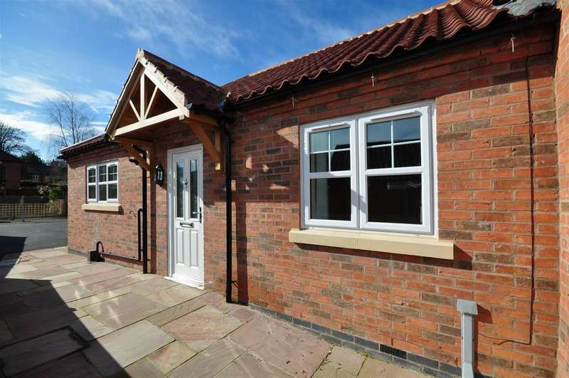 2 Bedrooms Semi Detached Bungalow for sale in Easthorpe, Southwell, Notts