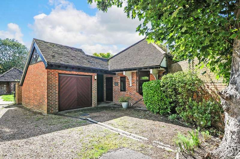 4 Bedrooms Link Detached House for sale in Stockbridge Road, Chichester