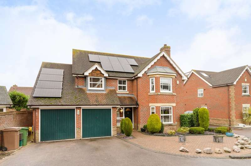 4 Bedrooms Detached House for sale in Kenny Drive, Carshalton Beeches, SM5