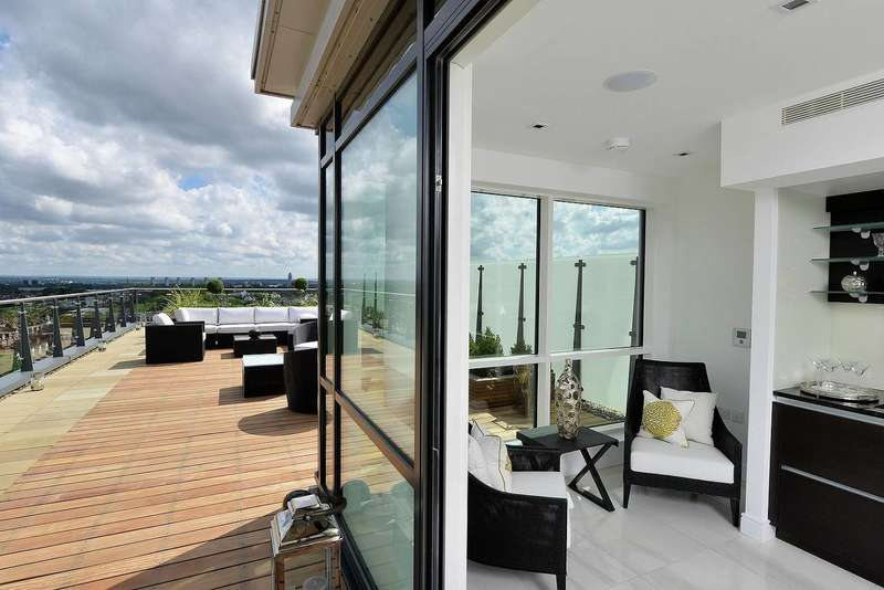 3 Bedrooms Flat for sale in Longfield Avenue, Ealing, W5