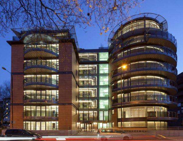 3 Bedrooms Flat for sale in The Atrium