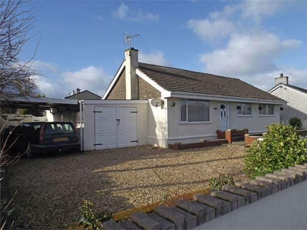 3 Bedrooms Detached Bungalow for sale in Rhosybol, Amlwch, Anglesey