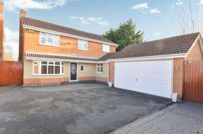 4 Bedrooms Detached House for sale in Swallow Drive, Syston, Leicester, Leicestershire