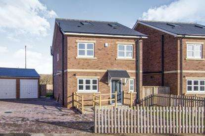 4 Bedrooms Detached House for sale in Orsett Heath, Grays, Essex
