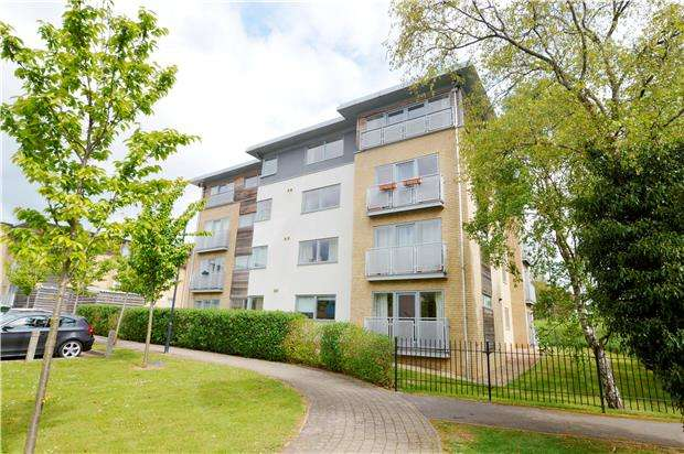 2 Bedrooms Flat for sale in Aston Court, Sotherby Drive, CHELTENHAM, Gloucestershire, GL51 0FS