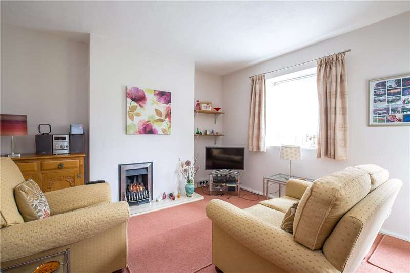 2 Bedrooms Apartment Flat for sale in The Hollies, Oakleigh Park North, Whetstone, London, N20
