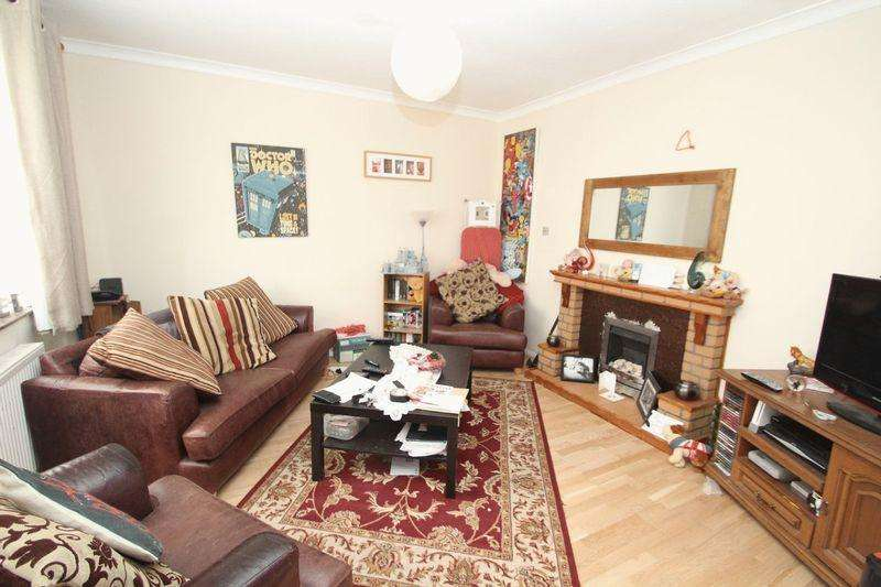 3 Bedrooms Semi Detached House for sale in Gainsborough Drive, Rochdale OL11 2QT