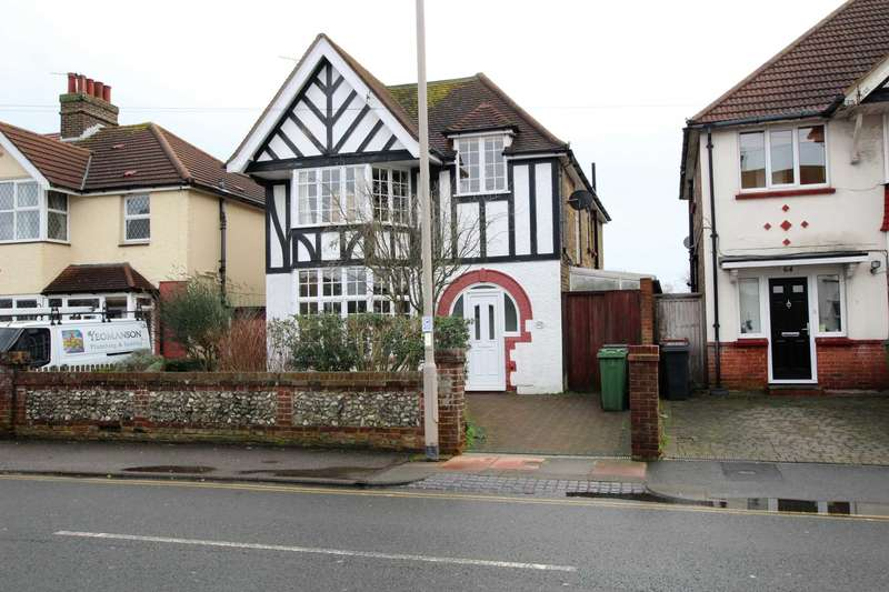 4 Bedrooms Detached House for sale in St Philips Avenue, Eastbourne, BN22 8LY