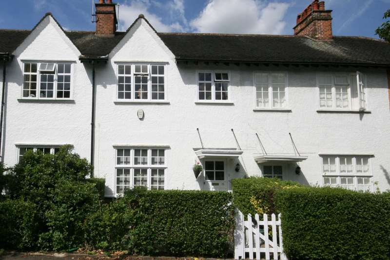 3 Bedrooms House for sale in Denison Road, Ealing