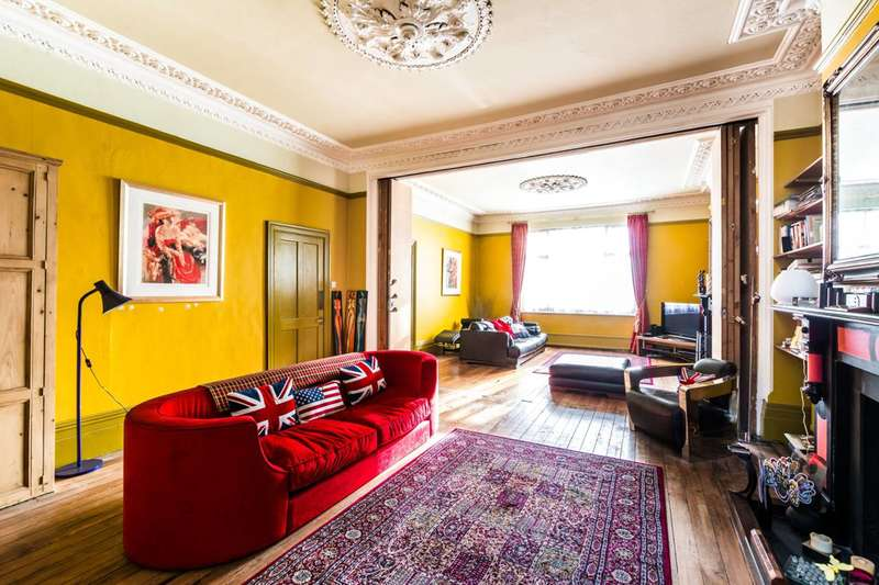 3 Bedrooms Maisonette Flat for sale in Manbey Grove, Stratford, E15