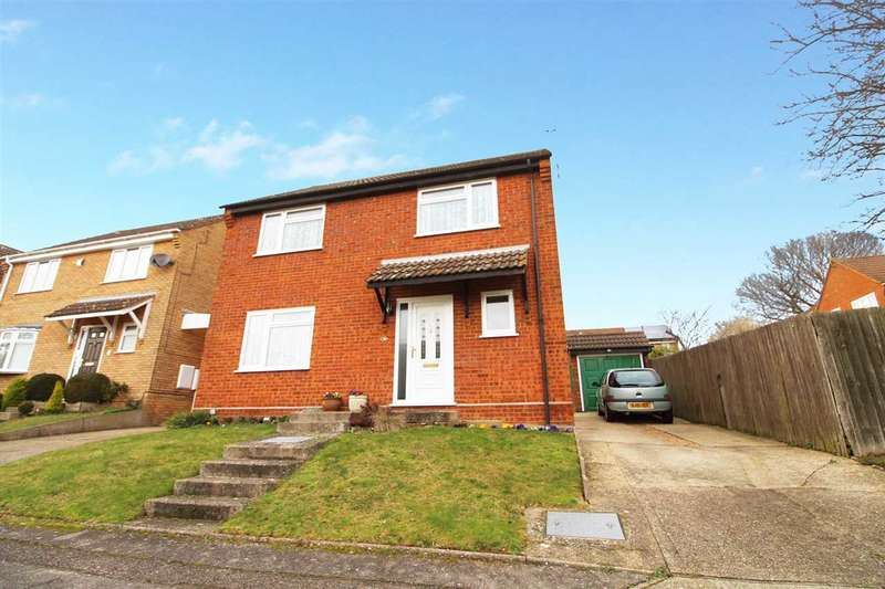 4 Bedrooms Detached House for sale in Bowland Drive, Ipswich