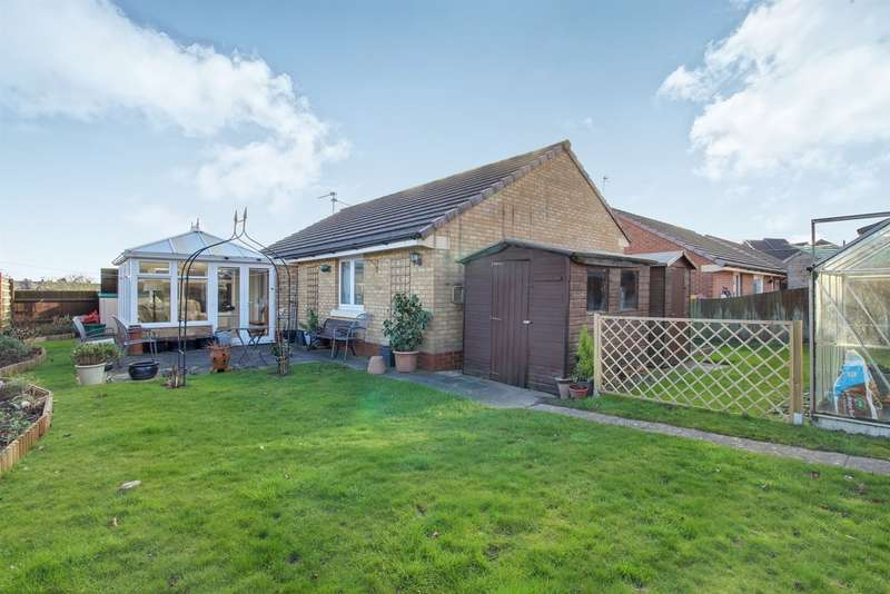 2 Bedrooms Detached Bungalow for sale in Ridgeway Gardens, Newport