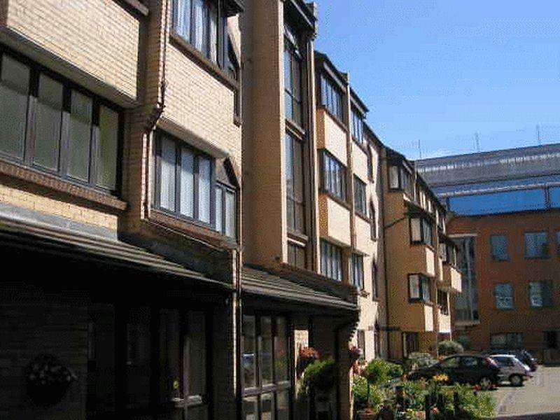 1 Bedroom Retirement Property for sale in Bread Street, Brighton