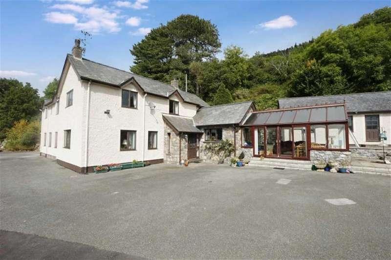 4 Bedrooms Detached House for sale in Maenan, Llanrwst