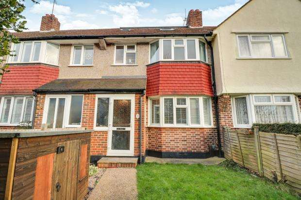 3 Bedrooms Terraced House for sale in Worcester Park, Surrey