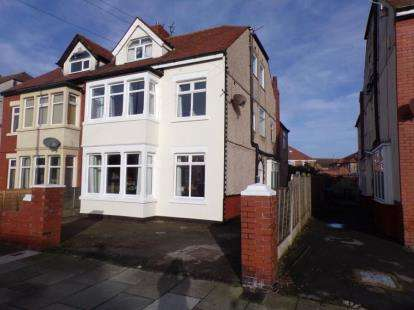 5 Bedrooms Semi Detached House for sale in Luton Road, Thornton-Cleveleys, FY5